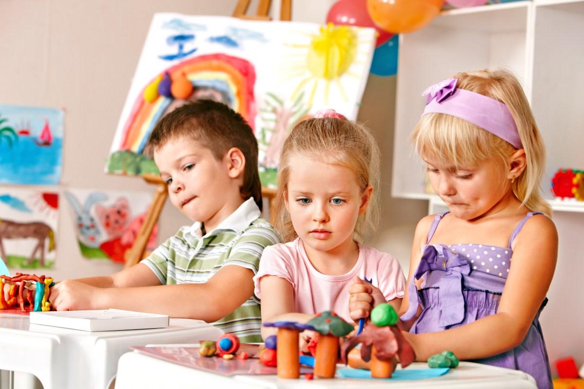 Ребенок в детском саду картинки